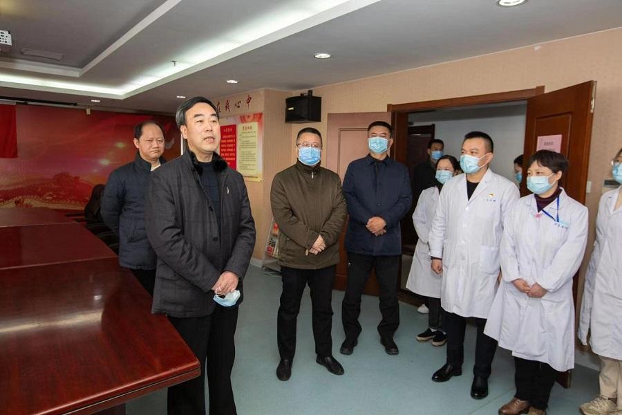 梁溪区委书记许立新检查指导疫情防控和文明